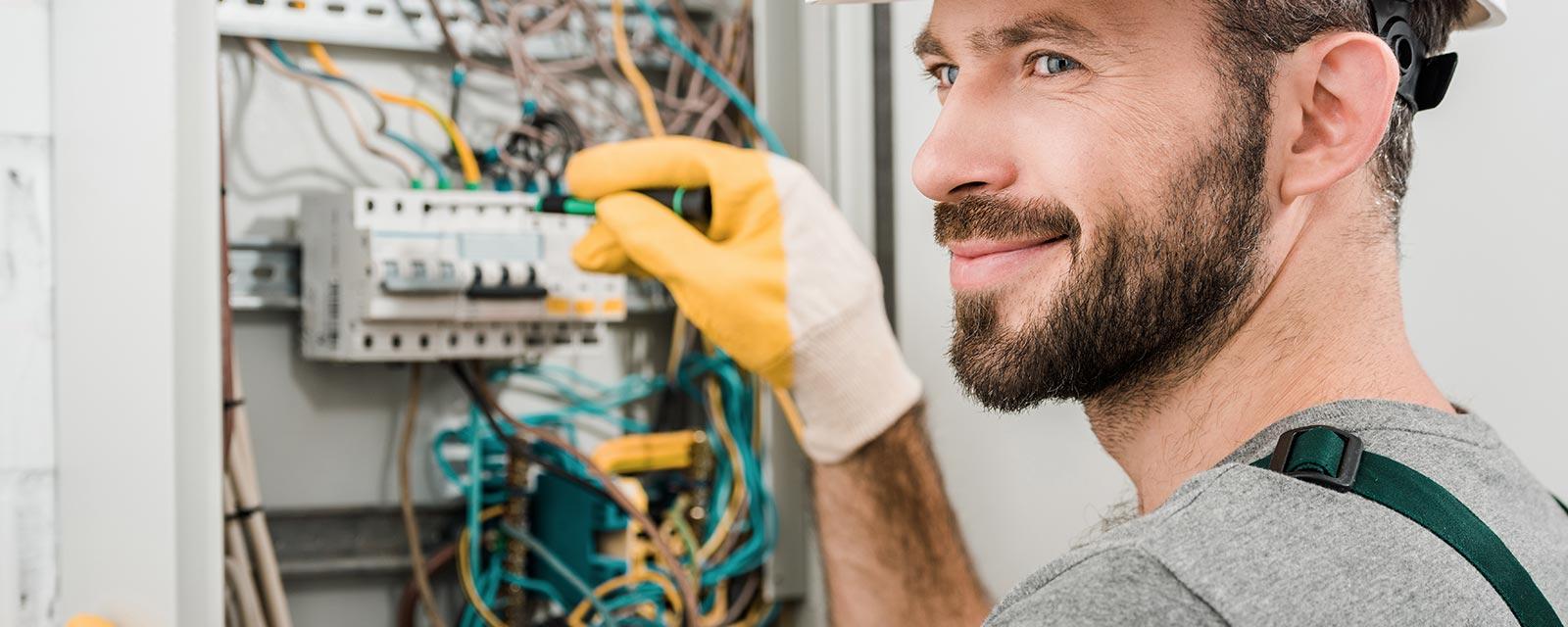 Etude De Marche Artisan Electricien choisir le bon électricien : trucs & astuces | guide artisan
